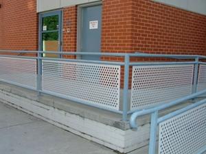 冲孔板围栏